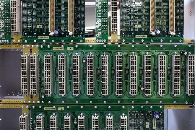 """ModuRail – 19"""" stavebnicový systém pro řídící počítače vozidel"""